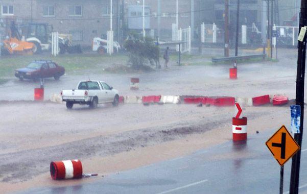 Tormenta en Cordoba. El temporal se abatió con fuertes ráfagas de viento y lluvia sobre varias zonas.