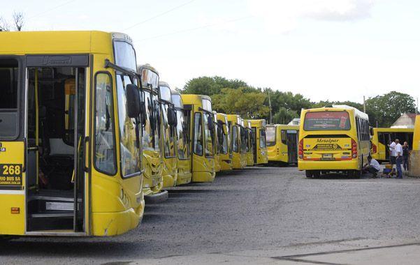 Los usuarios de los ómnibus amarillos de Rosario Bus todavía no pueden acceder a la combinación de viajes.