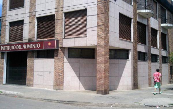 El Instituto del Alimento está ubicado frente a la vivienda donde asesinaron a Mariano Bertini. (Foto:A. Amaya)