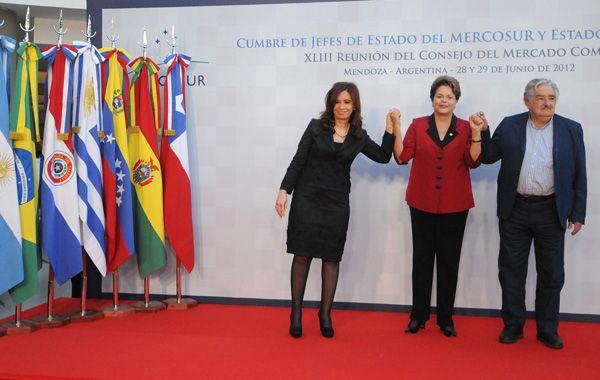 La presidenta participará mañana de una histórica cumbre del Mercosur.