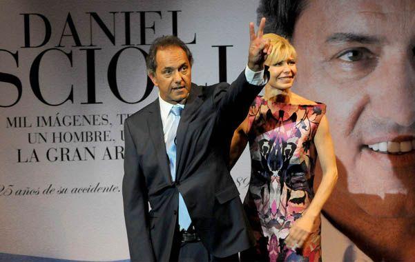 Scioli y su esposa se mostraron juntos en la presentación.