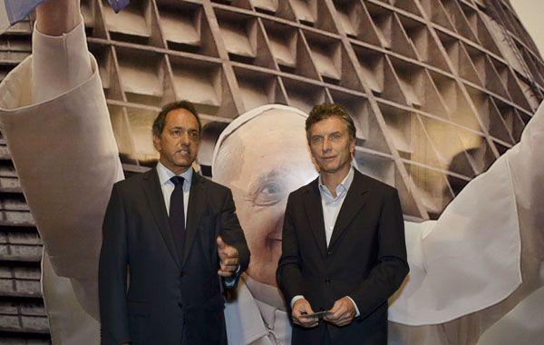 Daniel Scioli y Mauricio Macri salieron a buscar votos y ya piensan en el debate