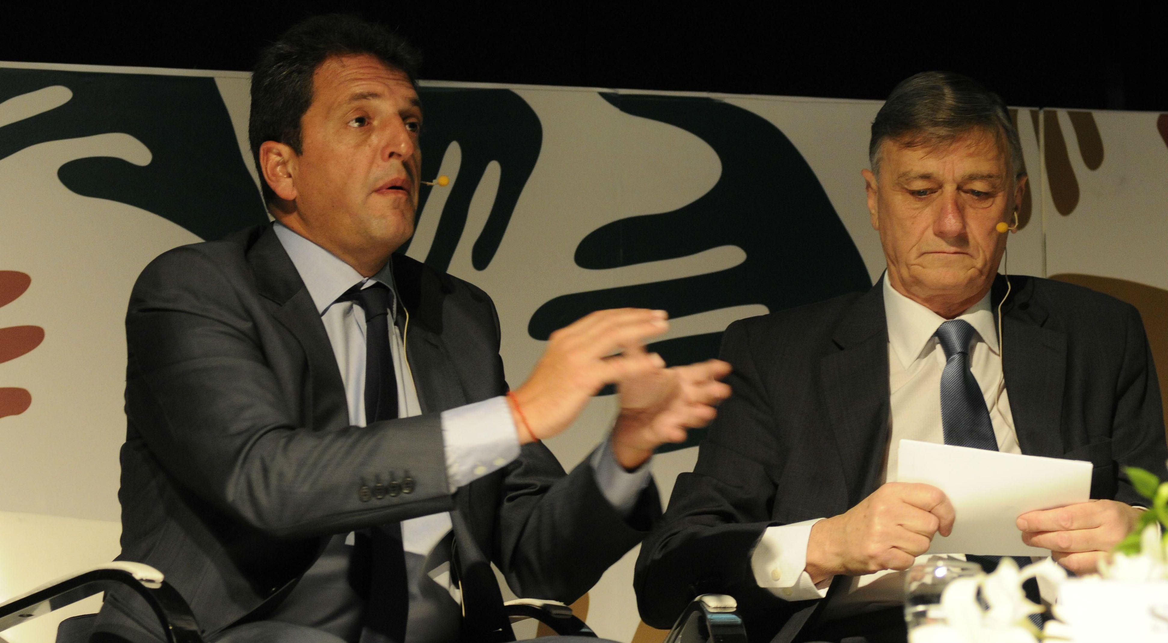 Massa cerró junto a Binner el congreso de Aapresid en el salón Metropolitano.