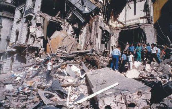 En la explosión en la sede diplomática murieron 22 personas.
