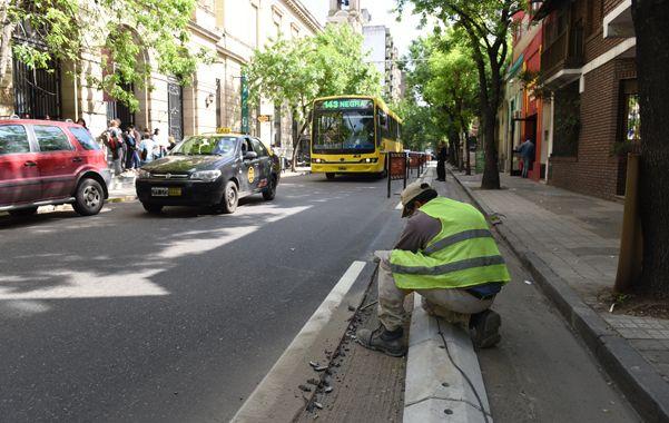 """""""Una bicisenda no es pintar una calle"""
