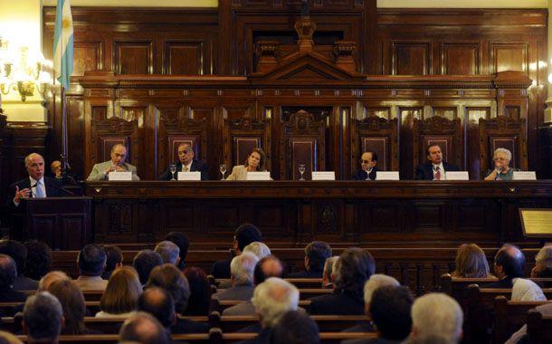 El fallo de la Corte lleva la firma de sus siete miembros.