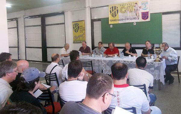 Decisiones. Los delegados se reunieron en las instalaciones del club Talleres de Villa Gobernador Gálvez.