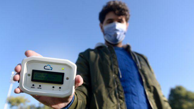 El dispositivo mide la concentración de dióxido de carbono en un espacio determinado a través de un láser infrarrojo no dispersivo.