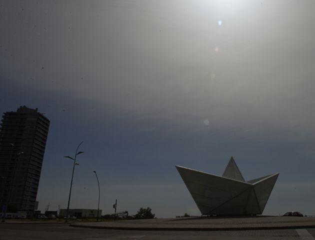 El cielo rosarino presenta un especial paisaje. (foto:C.Mutti)