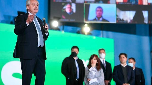 Alberto y Cristina compartieron escenario en el cierre de campaña del Frente de Todos.