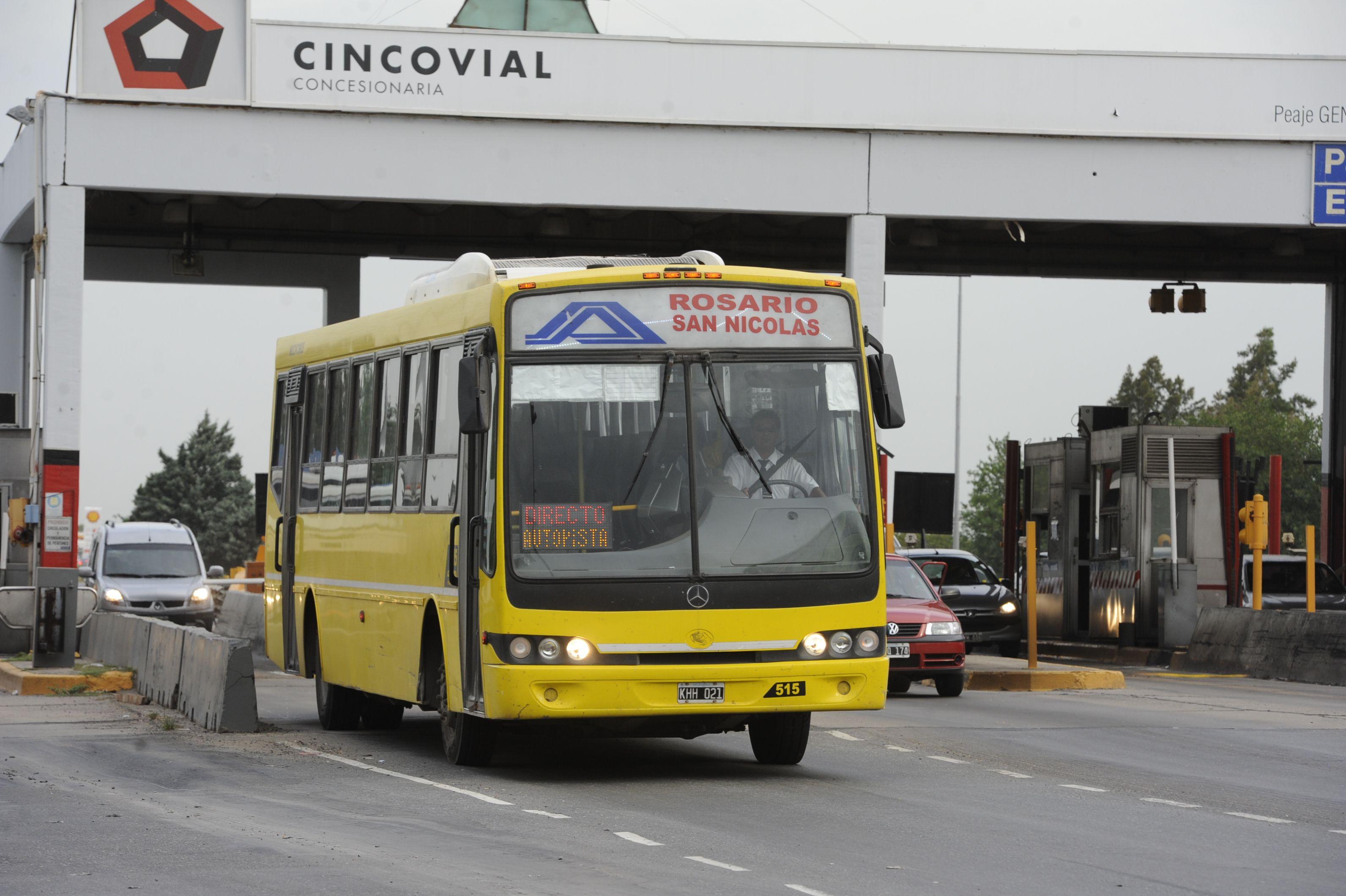 La medida de fuerza se cumple tambien en la autopista a Buenos Aires.  (Foto de archivo).