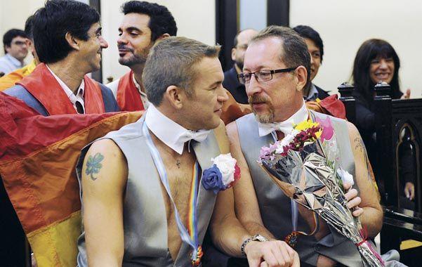 El Registro Civil entregará nuevas libretas a las parejas que ya se casaron en Santa Fe para evitar tachones humillantes.