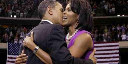 El mensaje que se oculta tras las perlas falsas de Michelle Obama