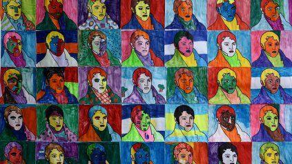 Collage pop de Manuel Belgrano realizado por estudiantes de la Escuela Arzeno en 2015.