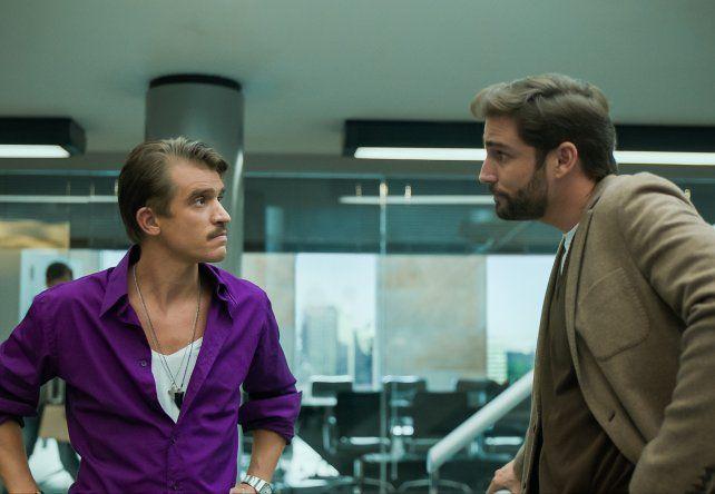El rosarino y el actor español Fernando Guallar en una escena de la serie.