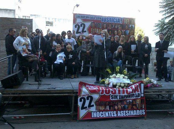 Rosario recuerda el primer aniversario de la peor tragedia de su historia. (Foto Twitter @Belitaonline)