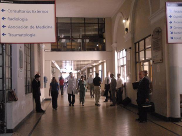 La atención en clínicas y sanatorios de Rosario será normal para afiliados al Iapos y a las obras sociales sindicales. (Foto de archivo).