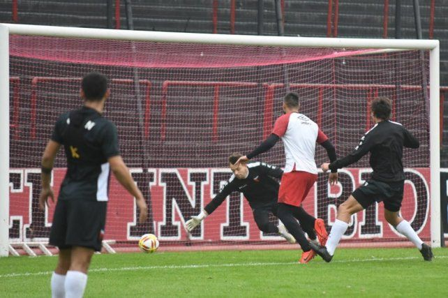 En 2019. Newell's empató 1-1 ante Colón en el primer amistoso de la era Kudelka.
