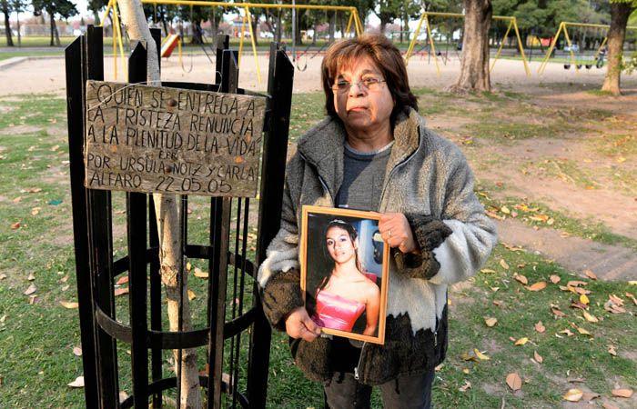 La madre de Carla Alfaro en parque Norte