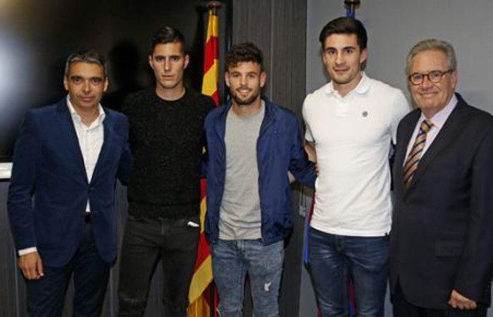 Sergi Guardiola (segundo a la izquierda) era presentado por el club. Le duró poco.