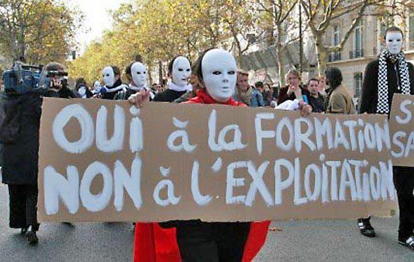 Protesta. Marcha de becarios en la Place du Luxembourg.