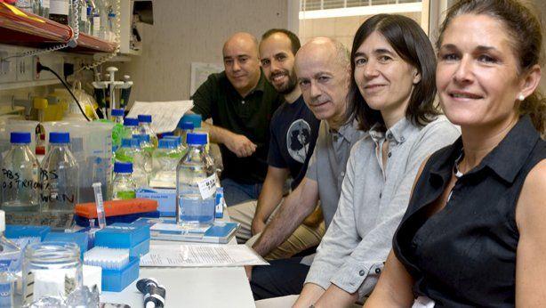trascendencia. El equipo investigador español liderado por María Blasco (segunda a la derecha).