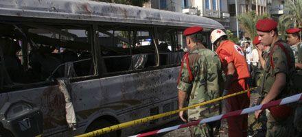 Líbano: al menos 17 muertos por un atentado con bomba en un micro