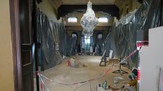 En el hall central de la casona, 35 centímetros bajo tierra, están los restos del patio de la que fue la casa de la familia Ibarlucea.