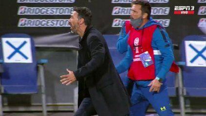Con todo. El Kily vio moverse la red y empezó a gritar el gol del empate canalla. La semana más feliz de Cristian González.