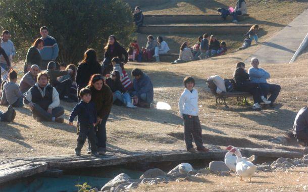 Un clásico. En la Granja los chicos pueden tomar contacto con aves de corral y disfrutar de un entorno único. (Foto: A. Amaya)
