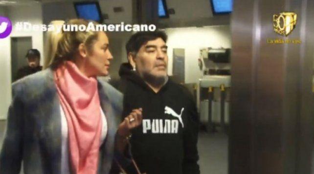 Maradona no pudo viajar a Dubai por un problema con el pasaporte y el Diez descargó su furia