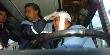 Chofer de colectivo fue golpeado en la cabeza por un automovilista en Rioja y Sarmiento