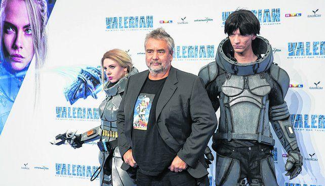 todo un desafío.Luc Besson y los protagonistas del filme.