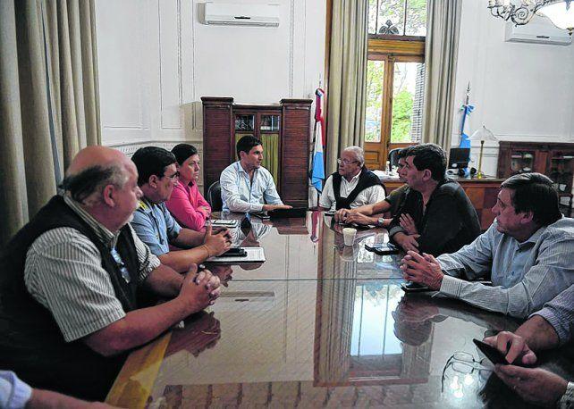Cónclave. Pullaro encabezó la reunión a la que asistieron funcionarios municipales