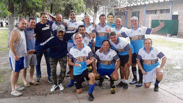 Cassoni, equipo de categoría