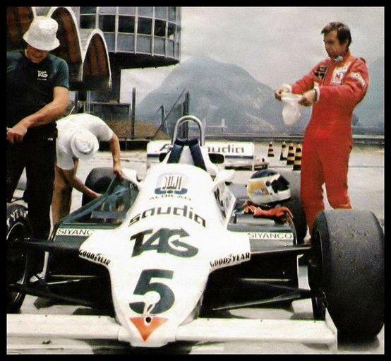 El Williams ya con el número 5 y el Lole al lado en Río a punto de ponerse el antiflama. Fue su última carrera, casi con 40 años.