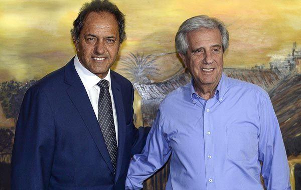 El gobernador de la provincia de Buenos Aires junto al mandatario de Uruguay.