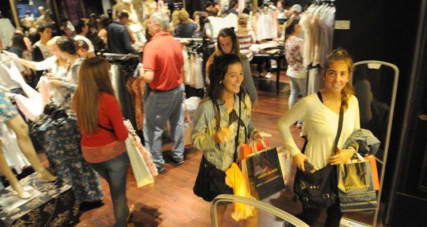 En la previa de Navidad aumentaron las ventas y el uso de las tarjetas de crédito