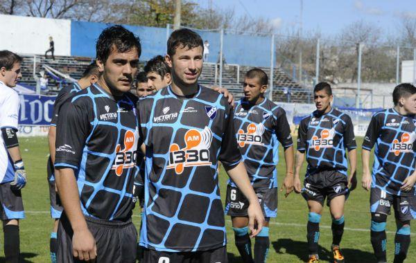 Los delanteros. Cabral y Luciano Pons