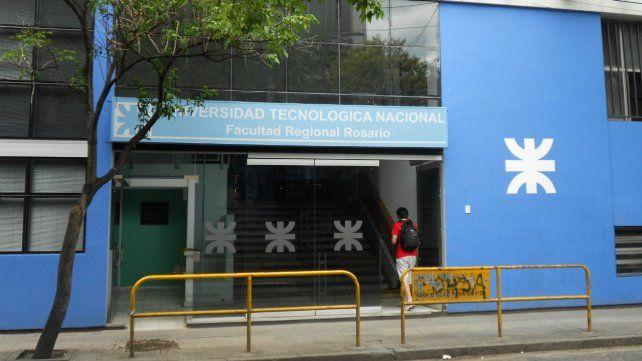 Las puertas de la UTN permanecen cerradas desde marzo y aún no hay fecha de retorno a clases presenciales.