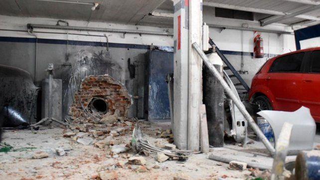 Fuerte explosión de una caldera en un lavadero industrial en la zona sur