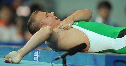 Impresionante lesión de un pesista que se dislocó el codo en plena competencia