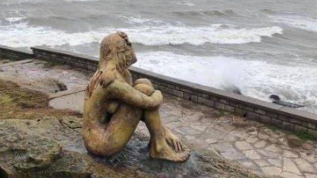 Resultado de imagen para mar del plata estatua mujer