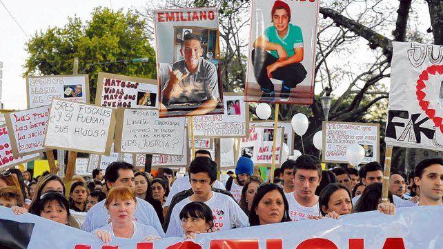 reclamo. Una de las tantas marchas en Rosario de familiares de víctimas en accidentes de tránsito exigiendo justicia.