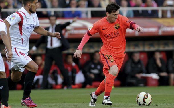 A pura potencia. Messi encara frente a la marca de Daniel Carrico.