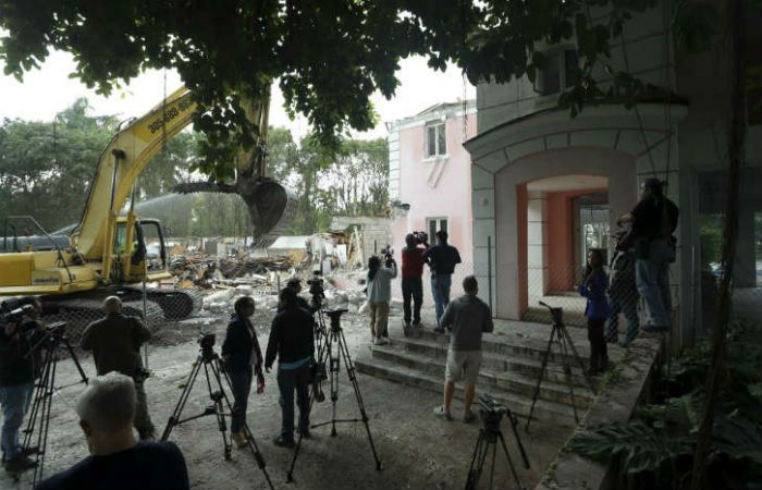 Los nuevos dueños de la mansión de Pablo Escobar en Miami encontraron una pequeña cajar fuerte.