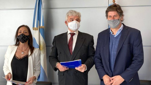 El AIR y la Anac firmaron un acuerdo para darle solidez a la actividad operativa de la terminal rosarina