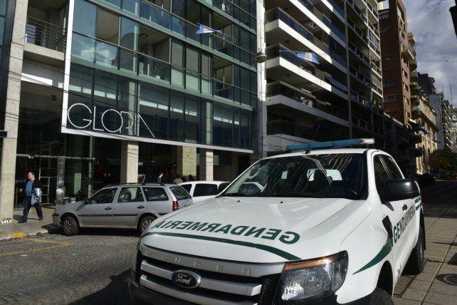 Uno de los allanamientos de Gendarmería fue efectuado en la zona del Monumento.-