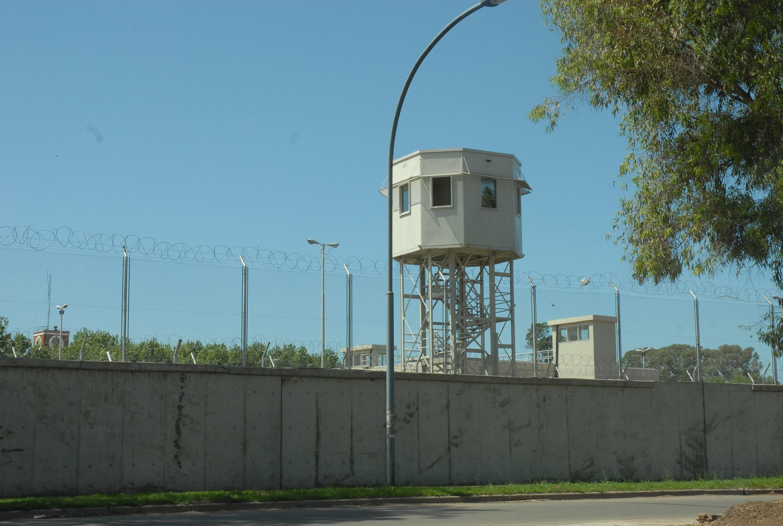 Alcaidía. El policía defendido por Ríos estuvo detenido en la Jefatura de la UR II.