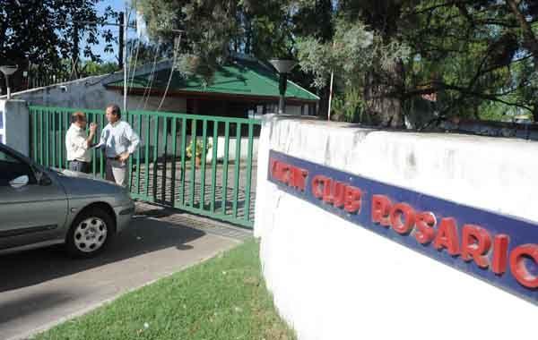 El Yacht Club de avenida Colombres al 1200 tiene cámaras de vigilancia que registraron lo ocurrido. (Foto: Gustavo de los Ríos)